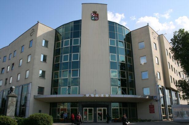 Konflikt o władze na Bemowie nadal trwa UD Bemowo
